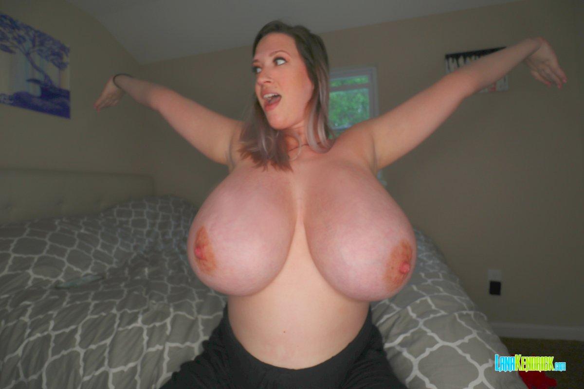 Luscious @kendrick_lana's latest. #boobs #tits #busty #bigboobs #bigtits #hugetits #hugeboobs