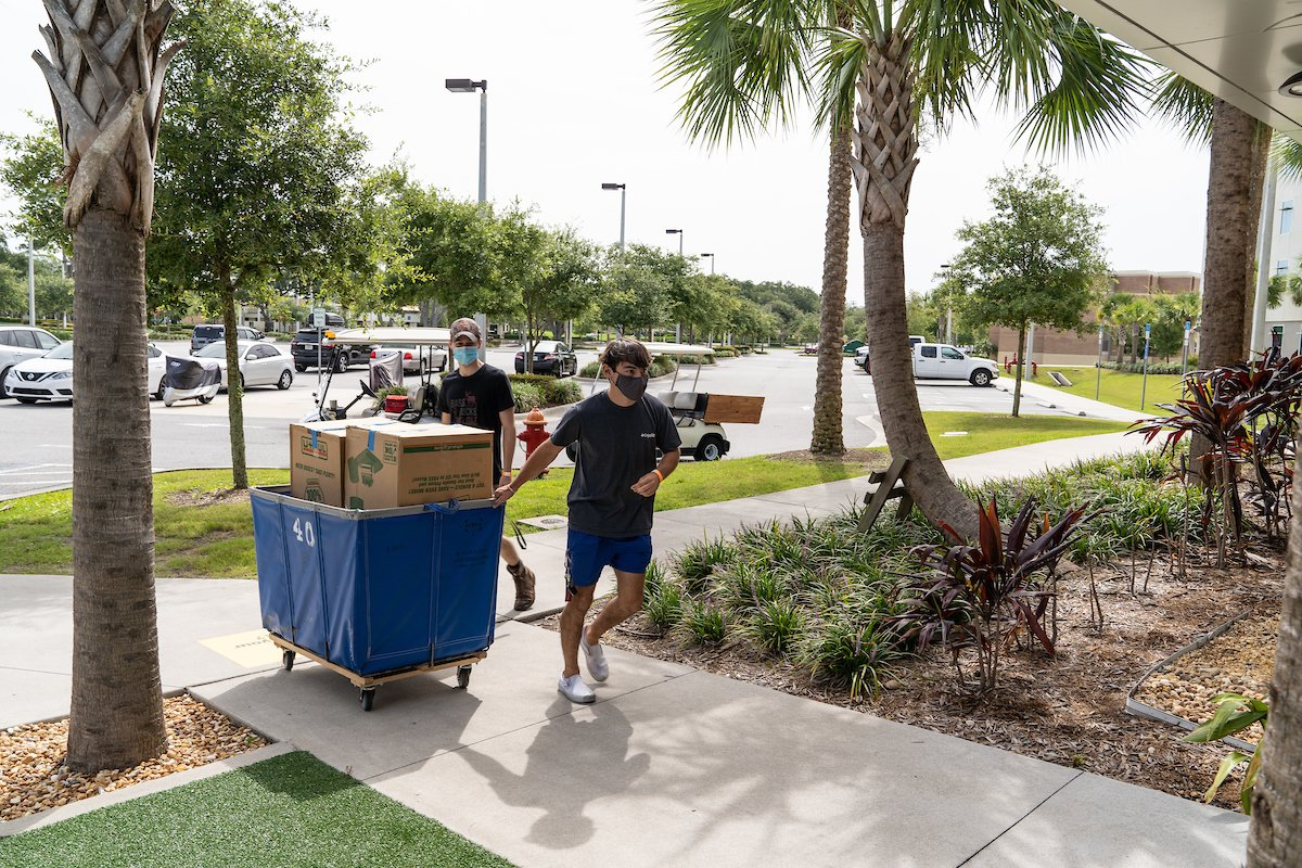 Moving in looked a little different this semester, but we're excited to welcome our new Eagles to campus for Summer B! 🦅💙 #GoERAU