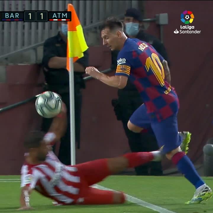 Renan Lodi: O mais novo membro da lista dos que sofreram com o Messi. Já vai?