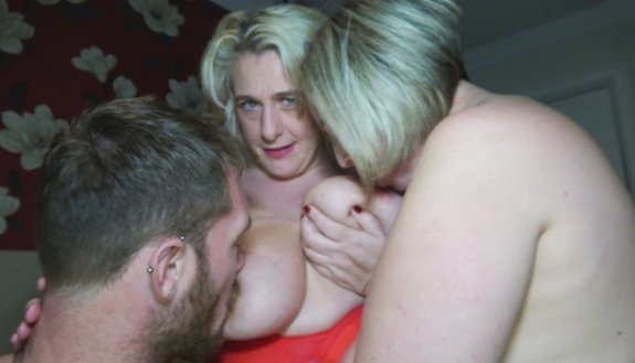 New video uploaded to my onlyfans page  Now with over 8600 photos and 388 videos for just $6.99/month  No hidden extras    Follow the filth milf #filthmilf #milf #porn #pornstar #tits #boobs #bigtits #bigboobs #lesbian #squirt #anal #creampie #femdom #bdsm