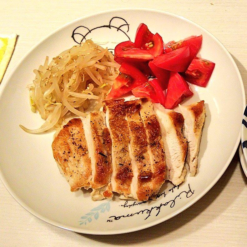 test ツイッターメディア - あさイチで、博多華丸・大吉さんが唸りながら食べてたの見て、きょうは鶏肉を焼いたー #あさイチ #NHK https://t.co/mqAeEhmptX