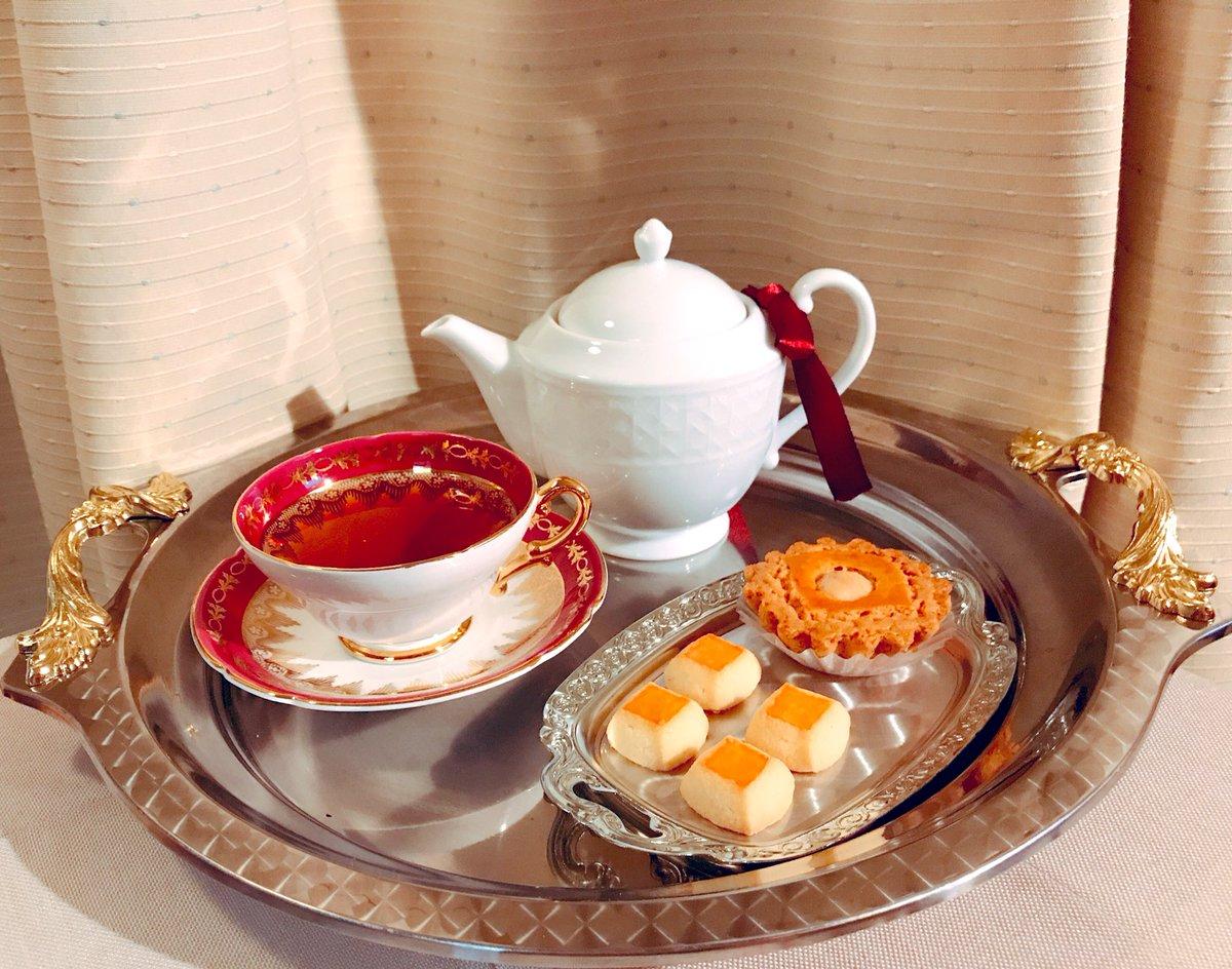 test ツイッターメディア - 夜のティータイム SAN-CHAのROSE PEKOEを淹れる。 お茶請けは銀座ウエストの塩クッキーとガレット。 新しいティーポットが届いたのですが前のよりも容量が少ないので慣れるまで少し時間が掛かりそう_(┐「ε:)_ #木漏れ日のお茶会  #茶好連 https://t.co/YuMDXD8hae