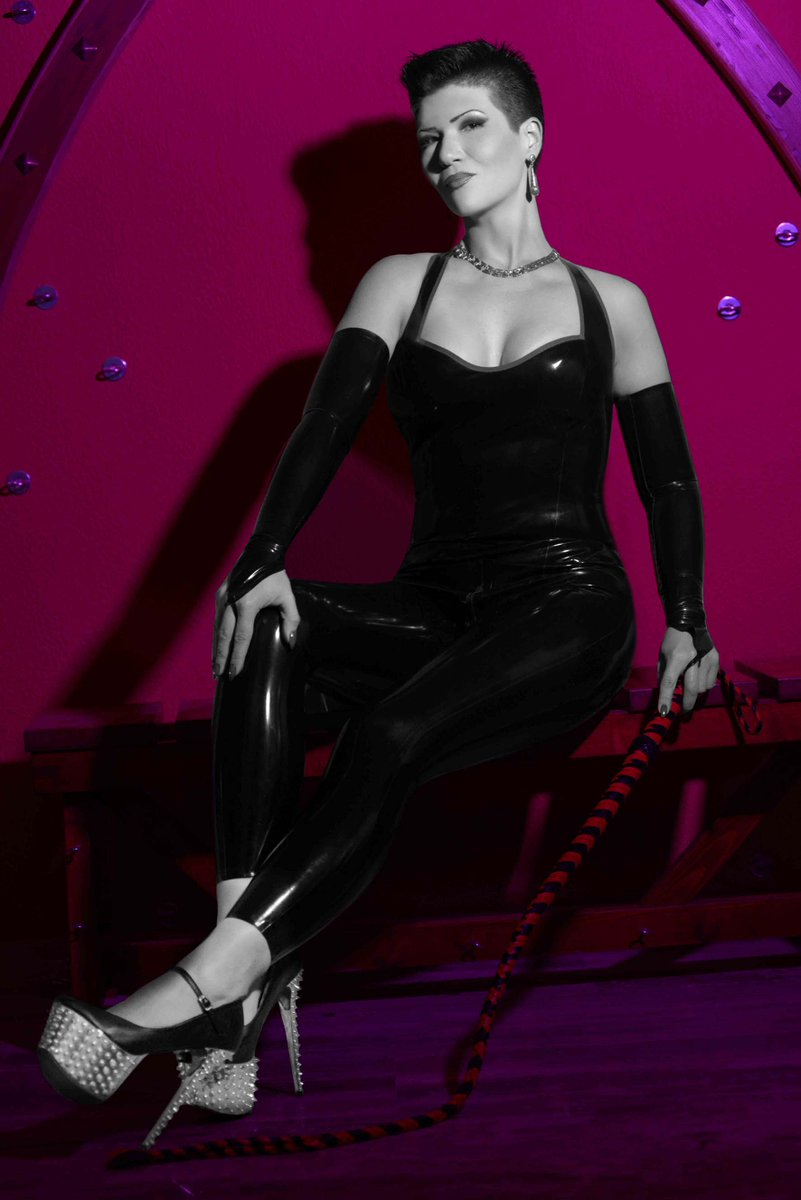 You need a #CustomVideo from me!  Direct your fantasy with me here on @iWantClips