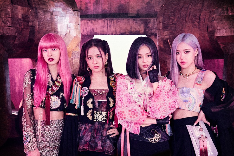 .@BLACKPINK is now the KPop act with 2 Top 20 hit song in UK Official Singles chart!  They're also the KPop act with the most UK Top 40s hits with 4 songs. 🇬🇧