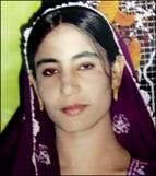 جامشورو ضلعے کے گائوں وڈا چھچھر میں یے لڑکی وزیراں چھچھر   وحشيانہ طور پر پتھروں سے سنگسار کرکے بيدردی سے قتل کی گئی ہے. يے وزيراعلیٰ سندھ کا آبائی ضلعہ ہے،ابھی تک قاتل گرفتار نہیں ہوئے. ديہی علاقوں کو خواتين کے ليےمقتل بناديا گيا ہے. حکومت اور عدليہ فورن نوٹس ليں. ايازلطيف پليجو