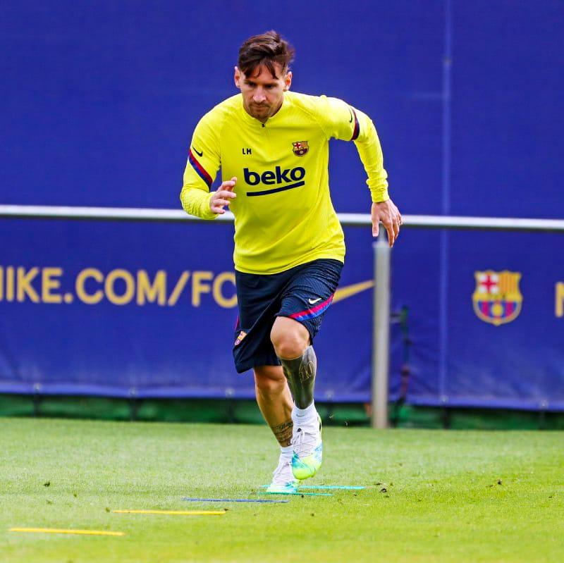 💪 #Messi & @LuisSuarez9 🔥