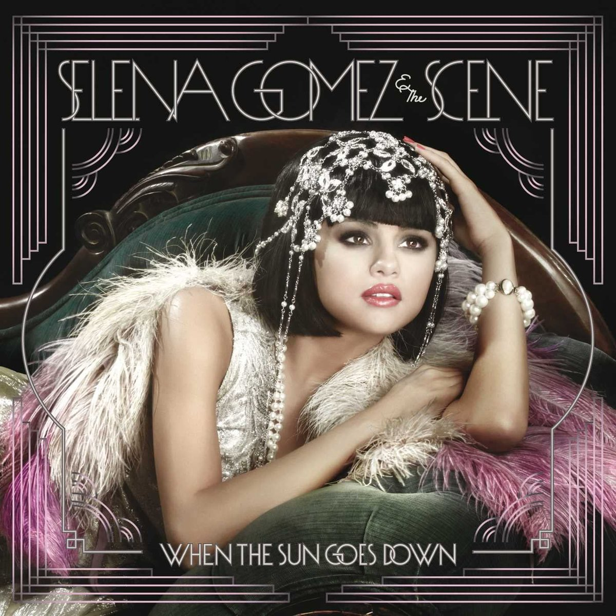 """9 years after its official release, """"When The Sun Goes Down"""" has re-entered the US iTunes Chart. 🇺🇸          — @selenagomez has 4 albums currently charting in the US."""