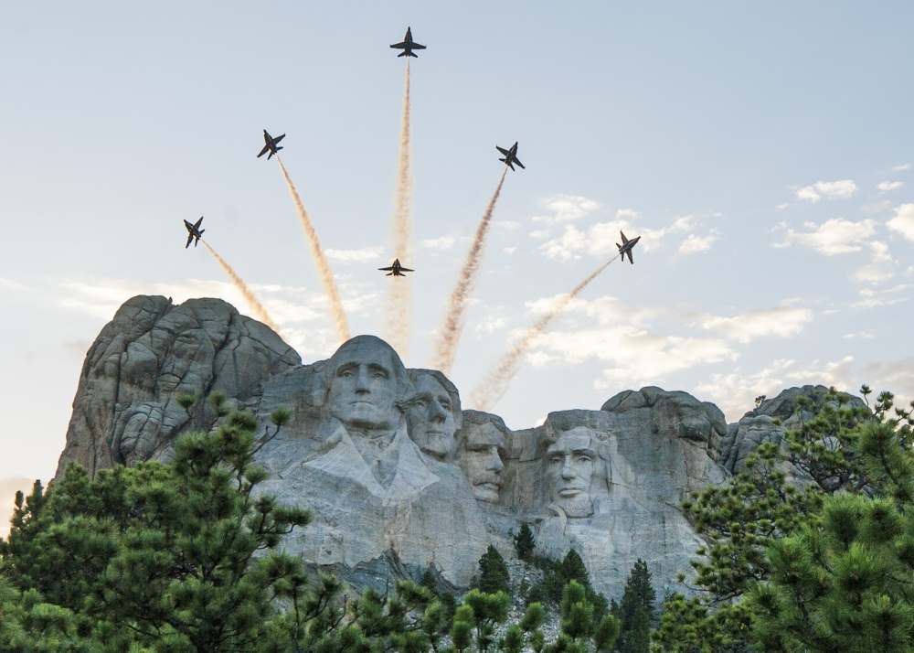 #BlueAngels fly over #MtRushmore today during #SaluteToAmerica hosted by the state of South Dakota. Celebrating the 244th year of independence for the USA!  (photo by Mass Communication Specialist 2nd Class Cody Hendrix) #HomelandDefense #WeHaveTheWatch #IndependenceDay