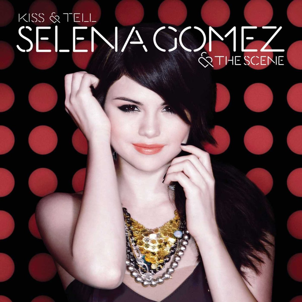 """Released over more than a DECADE ago, """"Kiss & Tell"""" has re-entered the US iTunes Chart 🇺🇸       — @selenagomez now has 5 albums currently charting in the US."""