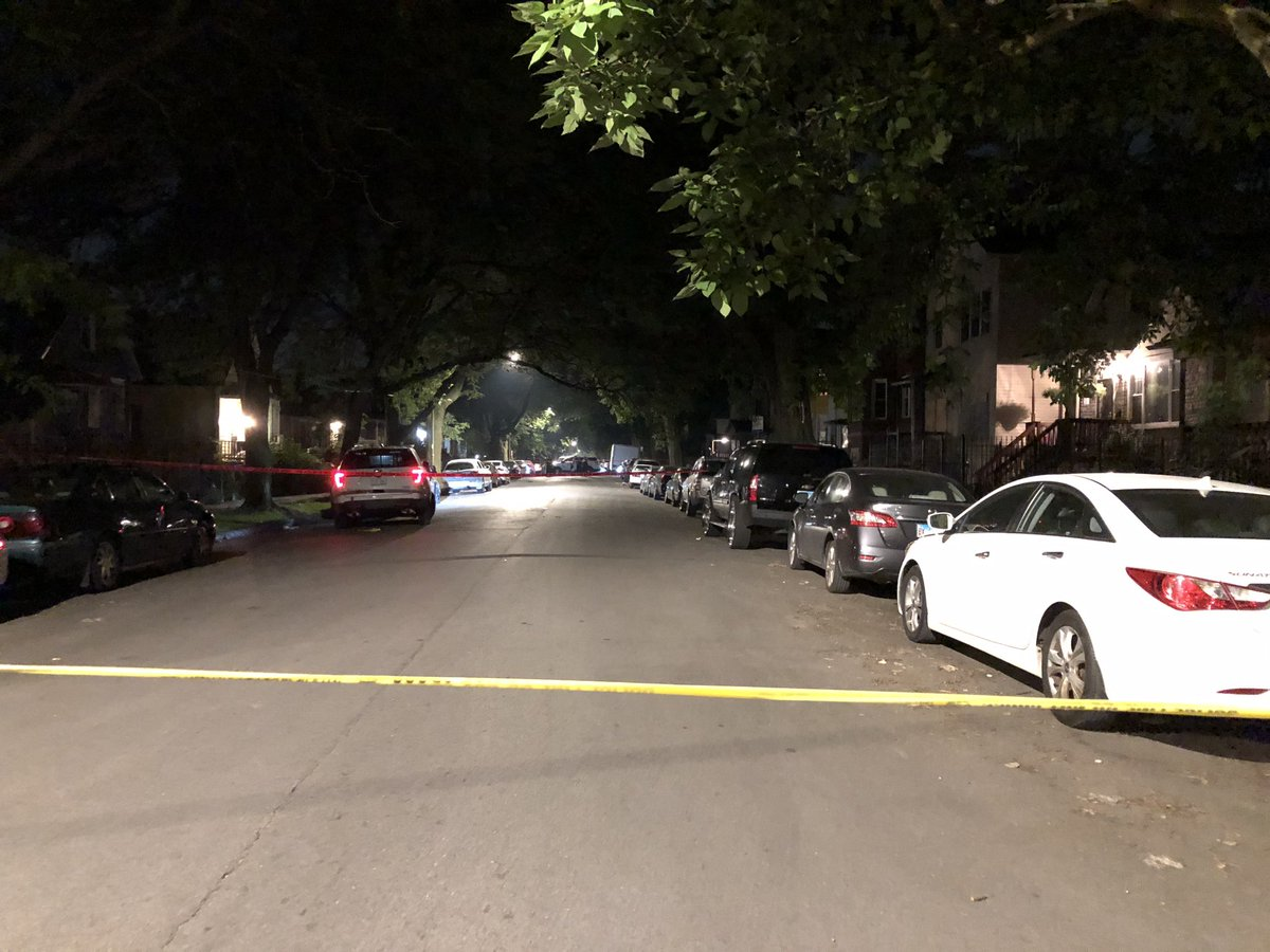 76/Drexel: 2 shot, both stabilized and taken to UoC. Two people came out of a home, a man jumped out of the bushes and fired about 30 rounds at them. #ChicagoScanner