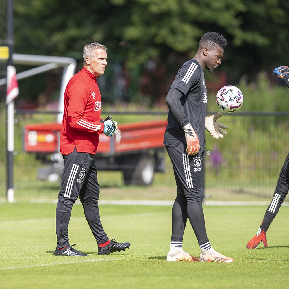 test Twitter Media - New GK coach in action. 🧤 https://t.co/tAL6j2KVyd