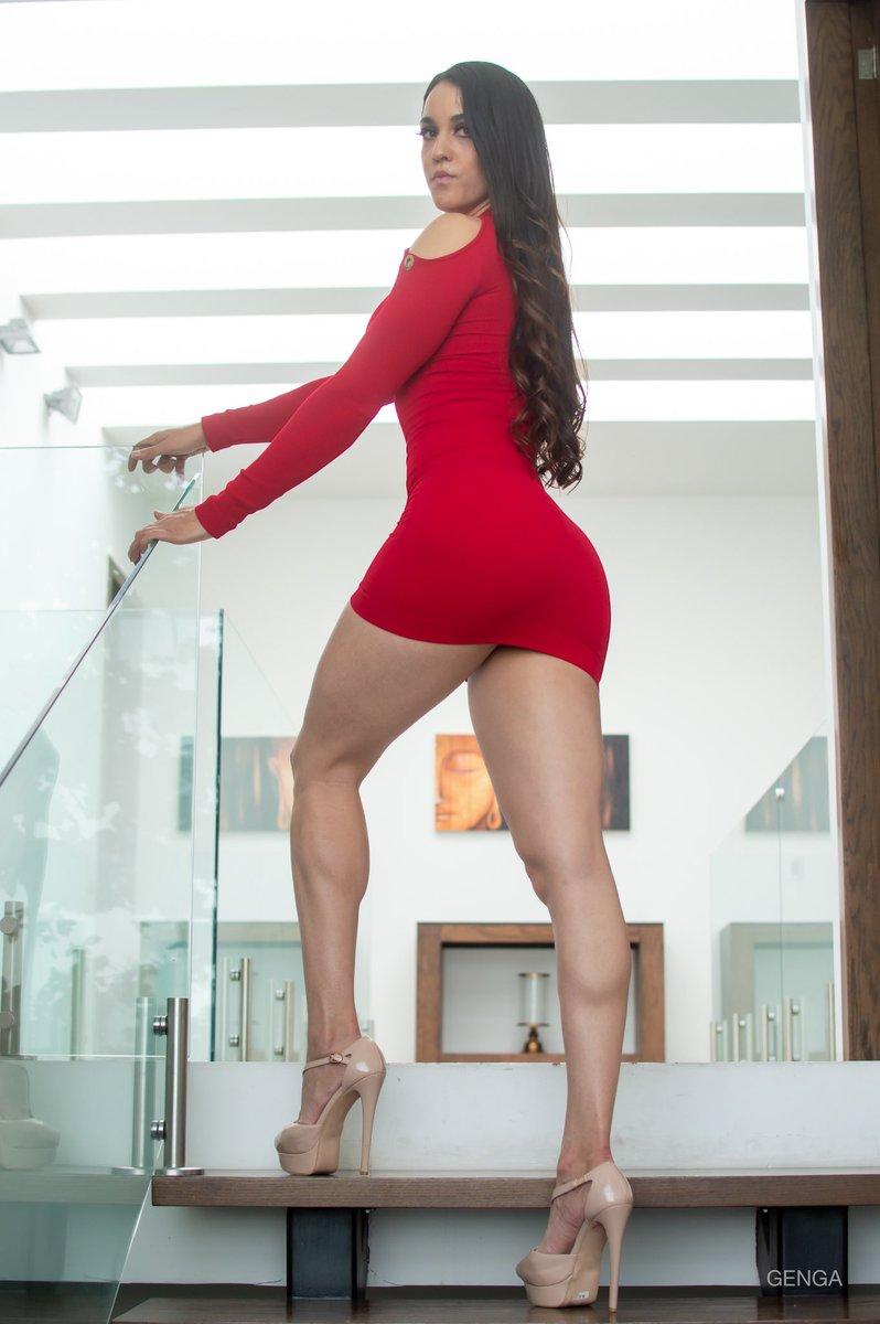 Vestidito rojo para la tarde, qué opinan? Merece un #RETWEEET