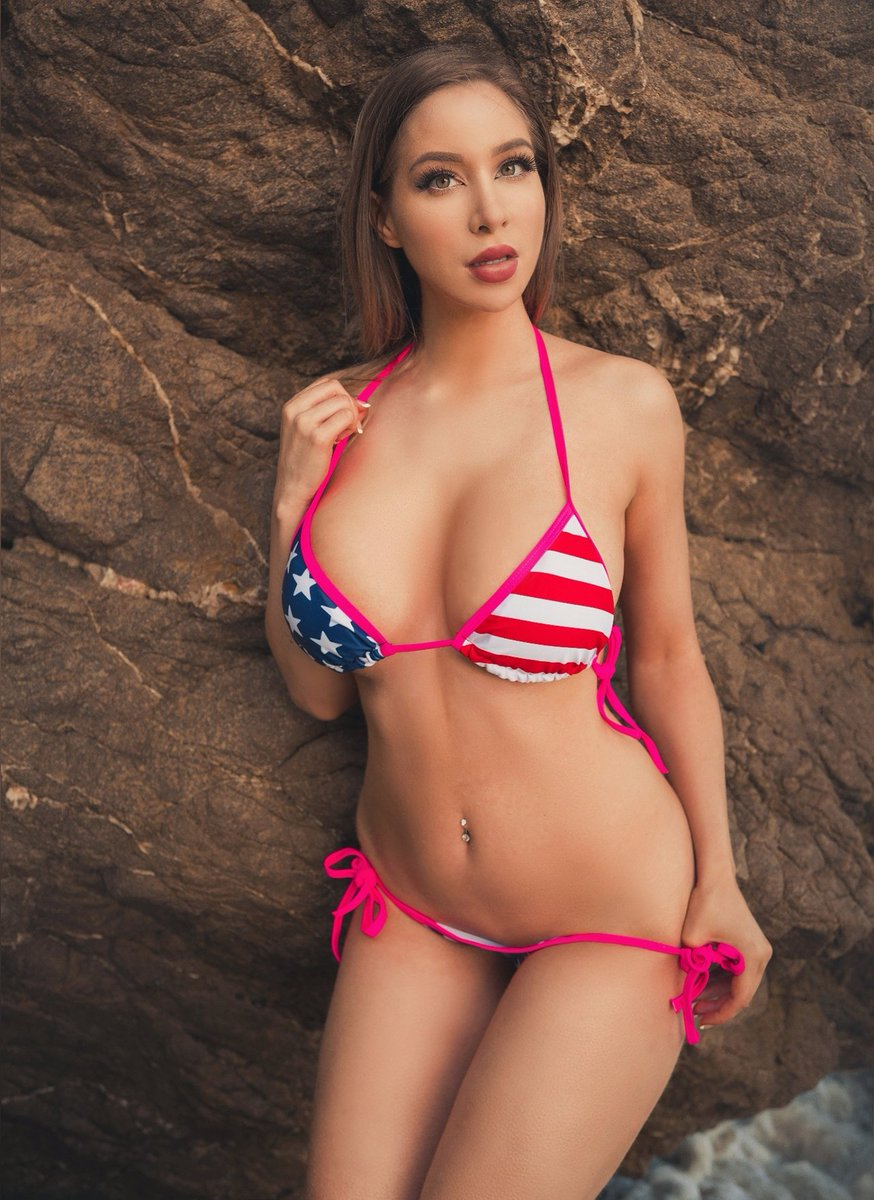 Happy 4th of July ☺️🇺🇸  Like this for a chance to get something fun in your DMs 💕