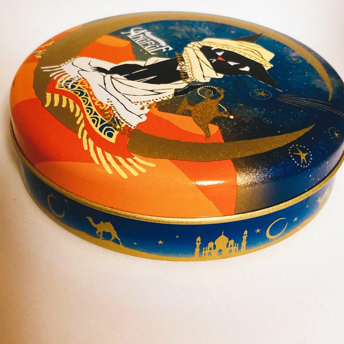 test ツイッターメディア - 今年のバレンタインのゴンチャロフの缶がカリムきゅんっぽくてきゃわわ https://t.co/wXOfdDGtYS