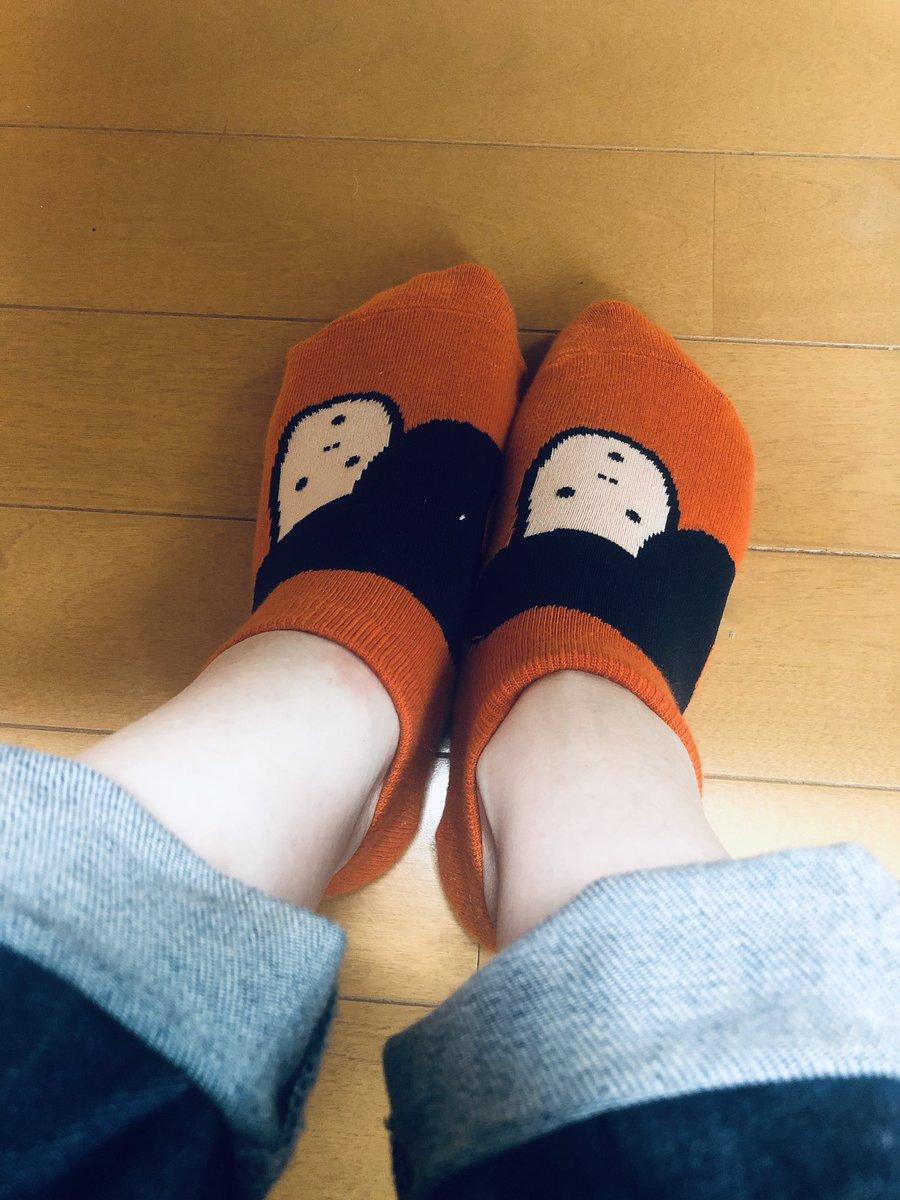 test ツイッターメディア - 特に理由はないけど今日は、金沢マラソンの時に買ったいしかわさん靴下☺️ もちろんみきゃん色〜🧡 https://t.co/s6UXmpPT44
