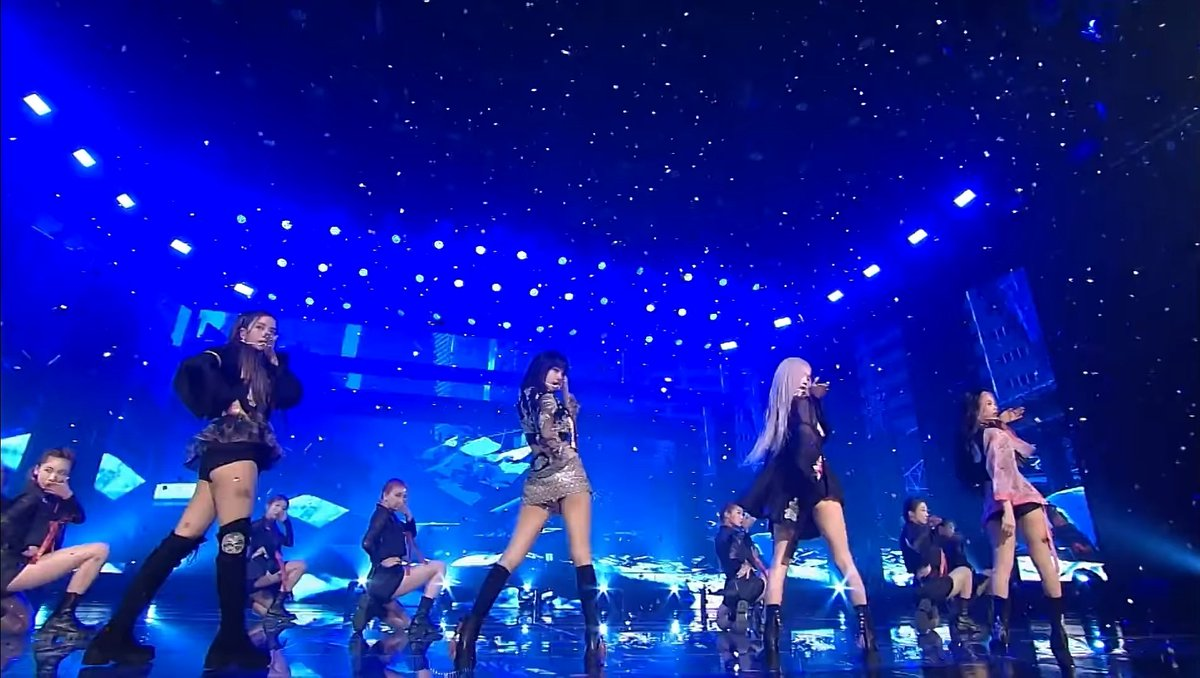 IT WAS NOT THE SAME PERFORMANCE BUT IT WAS DEFINITELY RECORDED ON THE SAME DAY @BLACKPINK