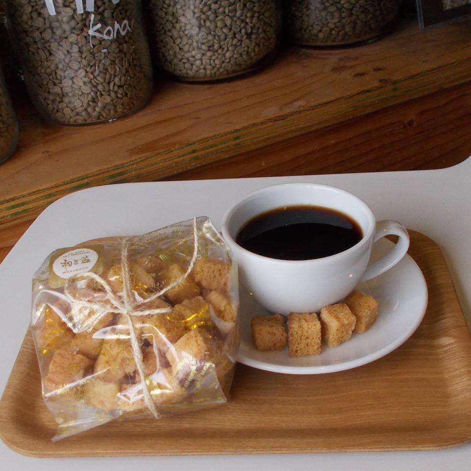 test ツイッターメディア - 【和三盆のラスク+コーヒーを】   パンデシンプルさんのラスク頂きました   有難うございます   パンもホントに美味しいし、柔らかな甘みの和三盆で大好き   コーヒーに薫り高い「ラオス ボラベンティピカ ノンルアン」を淹れて、いっぷく!   #ヒーローズコーヒー  #コーヒー豆販売 https://t.co/mGfhFADV9Z