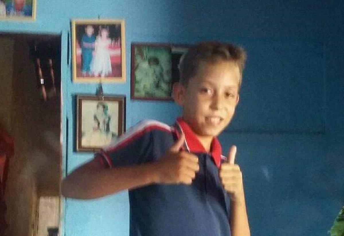 Mais uma criança assassinada pelo estado. Mizael Fernandes, 13 anos, estava dormindo quando a polícia atirou e o matou. O que fazer quando, no meio de uma pandemia, nem as nossas casas são um lugar seguro? Enquanto houver mortes pelo estado não haverá democracia.