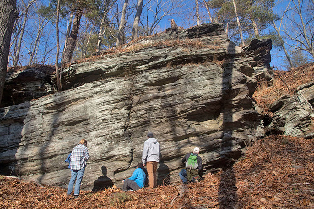 "test Twitter Media - Students in Wesleyan's Geologic Field Mapping service-learning class ""found joy in toeing the line between too scientific and not scientific enough"" through mapping the geology of Gillette Castle State Park: https://t.co/hyNnCafBTi https://t.co/NS1U2QAJdM"