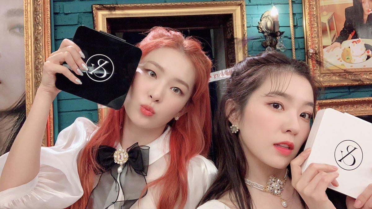 Red Velvet - #IRENE & #SEULGI's 1st Mini Album #Monster is OUT🖤🤍 많은 사랑 부탁 드려요🐰🐻  🎧 🎧 🎧 🎧  🎧  #RedVelvet_IRENE_SEULGI #레드벨벳_아이린_슬기 #Monster