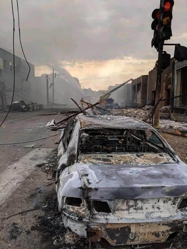 This is not Baghdad, this is not Mosul Iraq, this is not Falluja and it's not Afghanistan! It's Minneapolis, Minnesota, whose Democrat leadership wants to defund the police. Not even sure how much worse it can get.