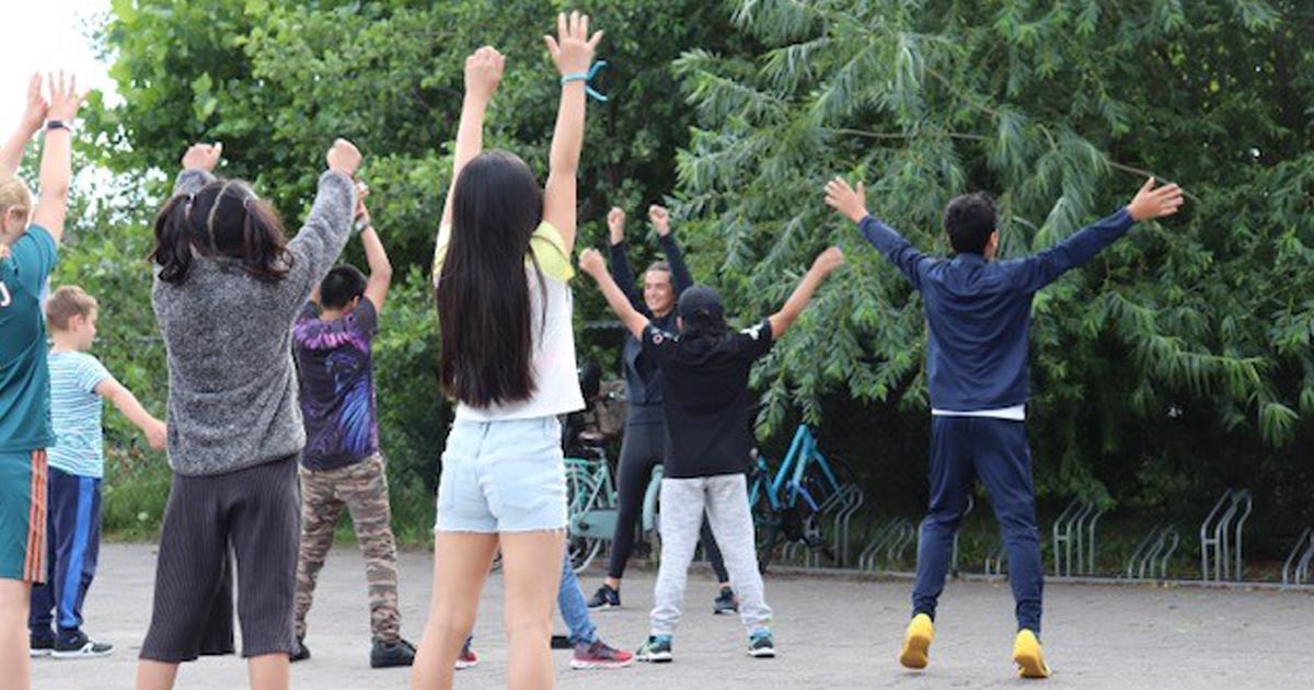 test Twitter Media - De Amstelveense zomerschool heeft haar deuren geopend voor kinderen die een steuntje in de rug kunnen gebruiken. Op het programma staan lessen in theater 🤹♂️, techniek, kunst, cultuur 🥁 en sport🤸♀️. Meer info ➡ https://t.co/lQxraZ2l04 https://t.co/57DZe1tTZo