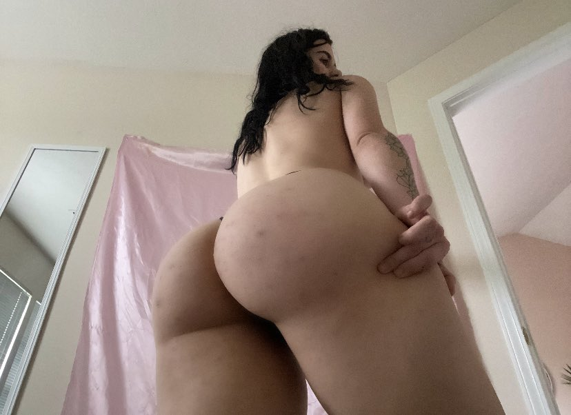 EVERY RETWEET GETS A NUDE 😍🍑 DM me if you're horny 😜🍆 💦 DON'T FORGET TO FOLLOW ME #horny #boobs #tits #pussy #porn #amateurporn #nsfw #cumslut #blowjob #sex #slut #ass #dick #cock #jailbait #bbc #gangbang #cuckold #fuck #fuckme #cumtribute #nude #naked