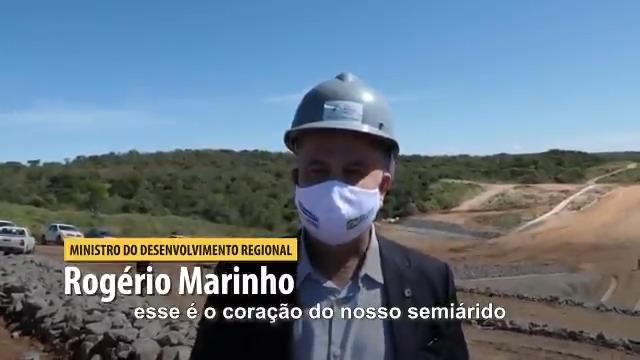Em Pernambuco, repassamos R$ 68 milhões p/ as obras do Ramal e da Adutora do Agreste. O PR @jairBolsonaro nos deu a missão de não deixar obras paradas, principalmente aquelas q asseguram o acesso à água, pois garantem saúde às pessoas, além de estimular o desenvolvimento regional