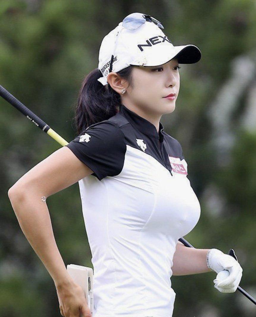 ゴルフよりシコ乳のアピールが過ぎますよね🥰💕 #シコゴルファー
