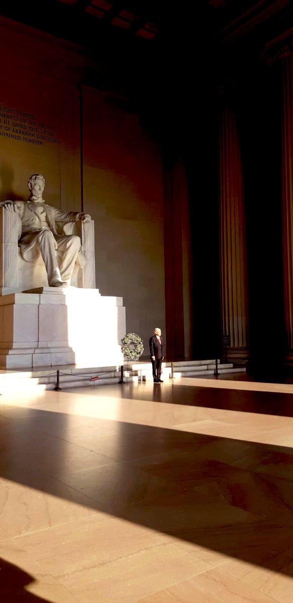 «La democracia es el gobierno del pueblo, por el pueblo y para el pueblo» -Abraham Lincoln. Visita nuestro presidente Andrés Manuel López Obrador a #Washington 🇲🇽 🇺🇸