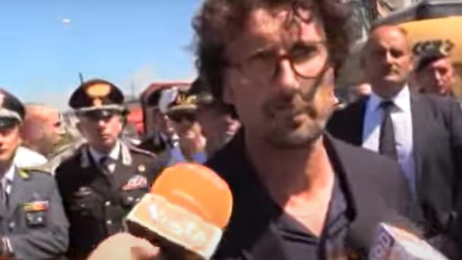 """Oggi #Toninelli intima a #Salvini: """"Devi tacere"""". Ma poco tempo fa assicurava: """"Revocheremo la concessione ad #Autostrade"""" #Benetton #PonteDiGenova #M5s #agenziaVISTA"""