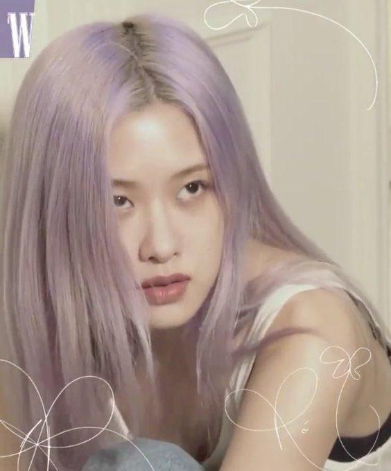 RT rshourly: she's sooo pretty #ROSÉ #로제