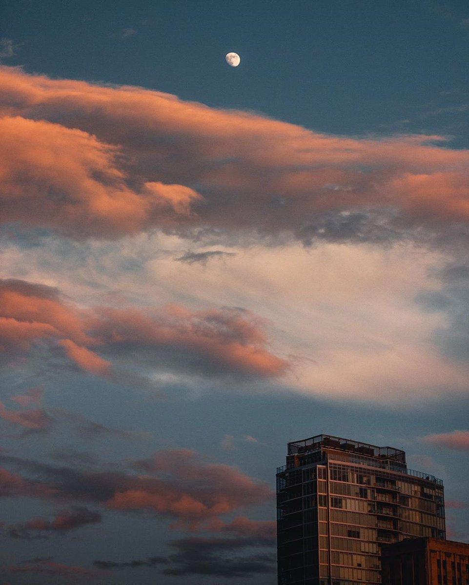 Oh hey moon 🌝