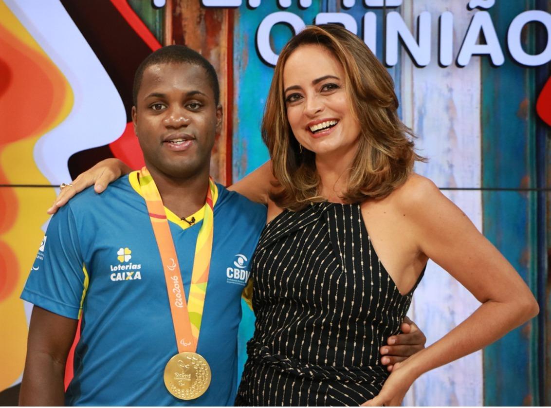 Jeferson Gonçalves, o Jefinho, é campeão Paralímpico de Futebol de 5 e se destaca no esporte. Conheça sua trajetória na entrevista do #PerfileOpinião ⚽️🥇🏆  Assista nesta quarta-feira (8), às 21h30, na TVE e   📺 #FiqueEmCasa