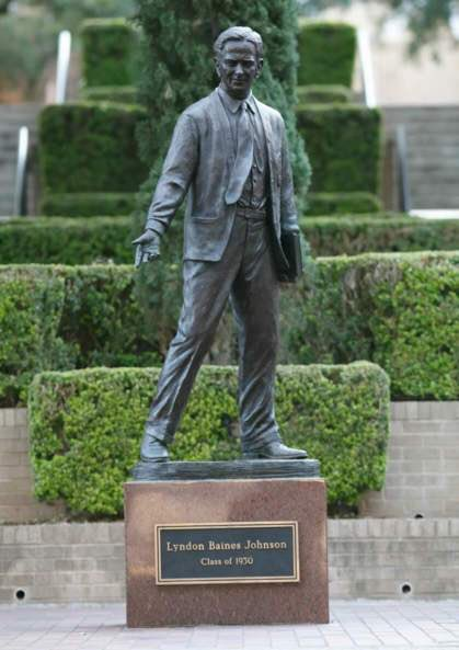 This is the Lyndon Johnson statue at Texas State U in San Marcos. A lifelong bigot, LBJ was a segregationist Democrat who continued to use the N-word even after he signed the Civil Rights Act of 1964. Why #BLM have you not targeted this notorious racist?