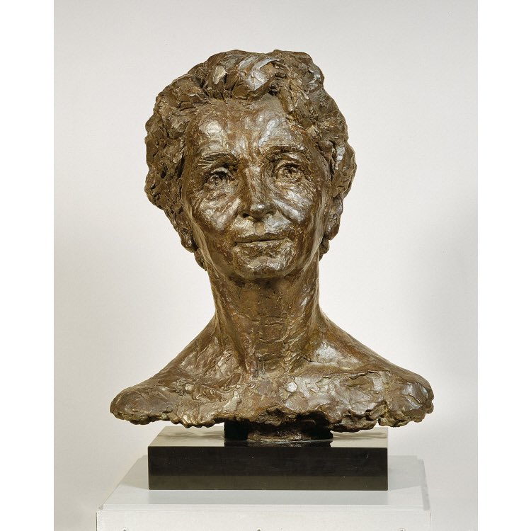 """This is the Margaret Sanger bust at the National Portrait Gallery. A lifelong eugenicist, Sanger supported racial segregation & forced sterilization for low IQ, handicapped & """"undesirable"""" black people. She also praised Nazi sterilization laws. #BLM why ignore her racist legacy?"""