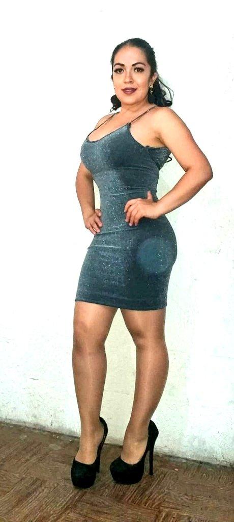 Chicas De nueva cuenta tengo disponible este hermoso vestido Esta vez no se queden con las ganas de estrenar COMPRALO ya  ENVIOS A todo el país y entregas en Cdmx Recibo tarjetas de crédito y débito😍