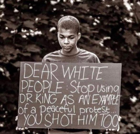 que perfeição de cartaz #BlackLivesMatter
