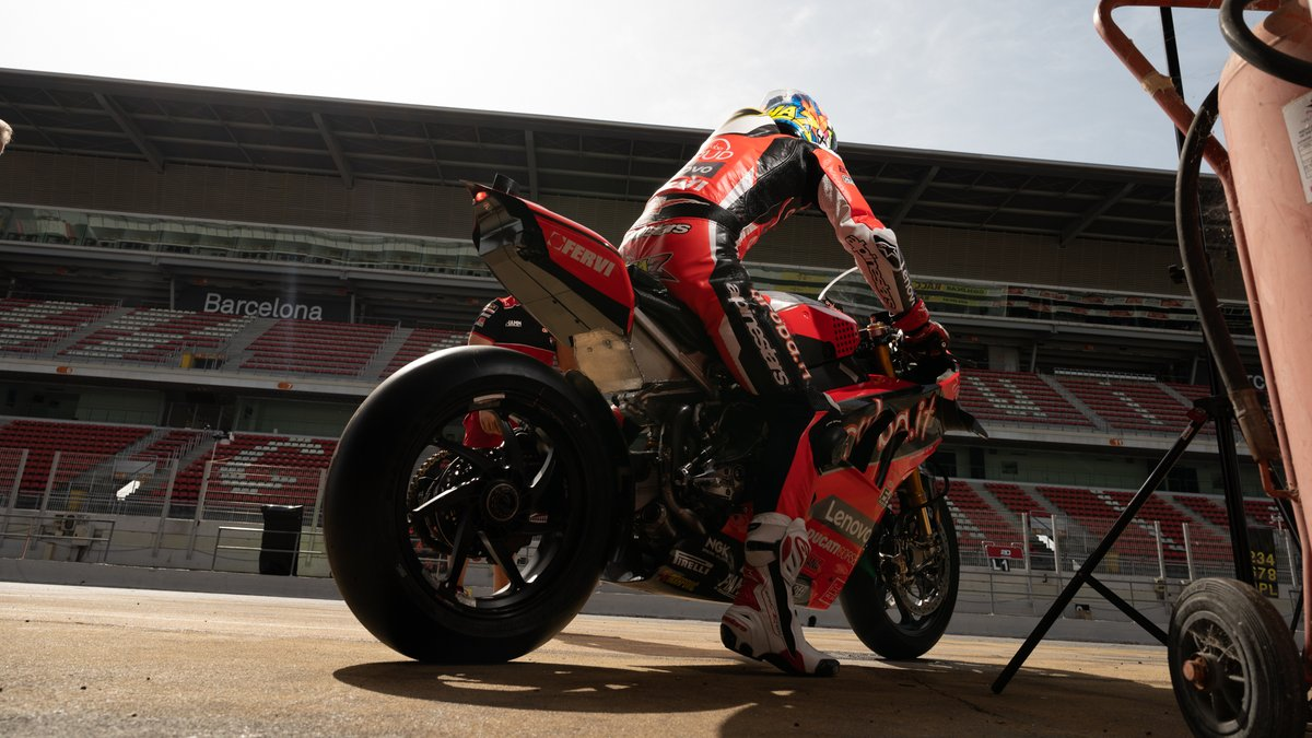 test Twitter Media - What did @chazdavies7 learn from two-day Catalunya test?  @ArubaRacing  #WorldSBKreturns   📹 INTERVIEW | #WorldSBK https://t.co/H6wYvNEGot https://t.co/k2LrpgHFOe
