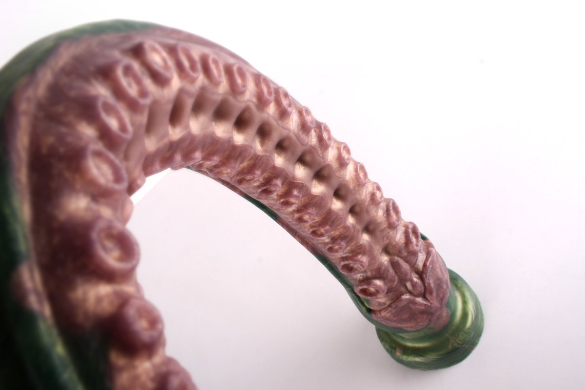Dagon has quickly become one of our best sellers and we love being creative with the colours for this beast. 😍 This should be in everyone's collection, have you got yours? 🍆 #SinnovatorHQ #Sinnovator #analplay #siliconedildo #dildo #fantasydildo #handmadedildos #kinkcommuntiy