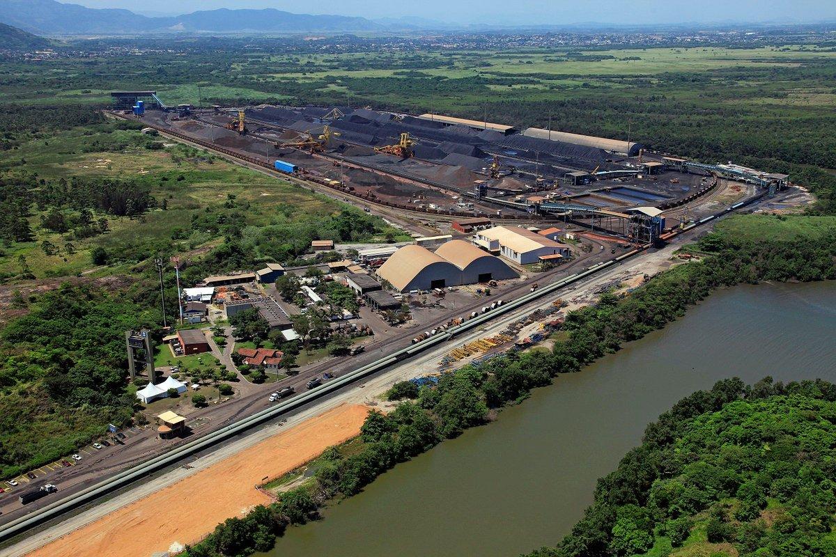 Recorde! 🇧🇷 O Porto de Itaguaí (@docasdorio) bateu recorde de faturamento mensal, com mais de R$ 37 milhões. O valor corresponde à movimentação de carga no mês de junho/2020. O transporte de minério de ferro foi um dos responsáveis pela marca. ➡