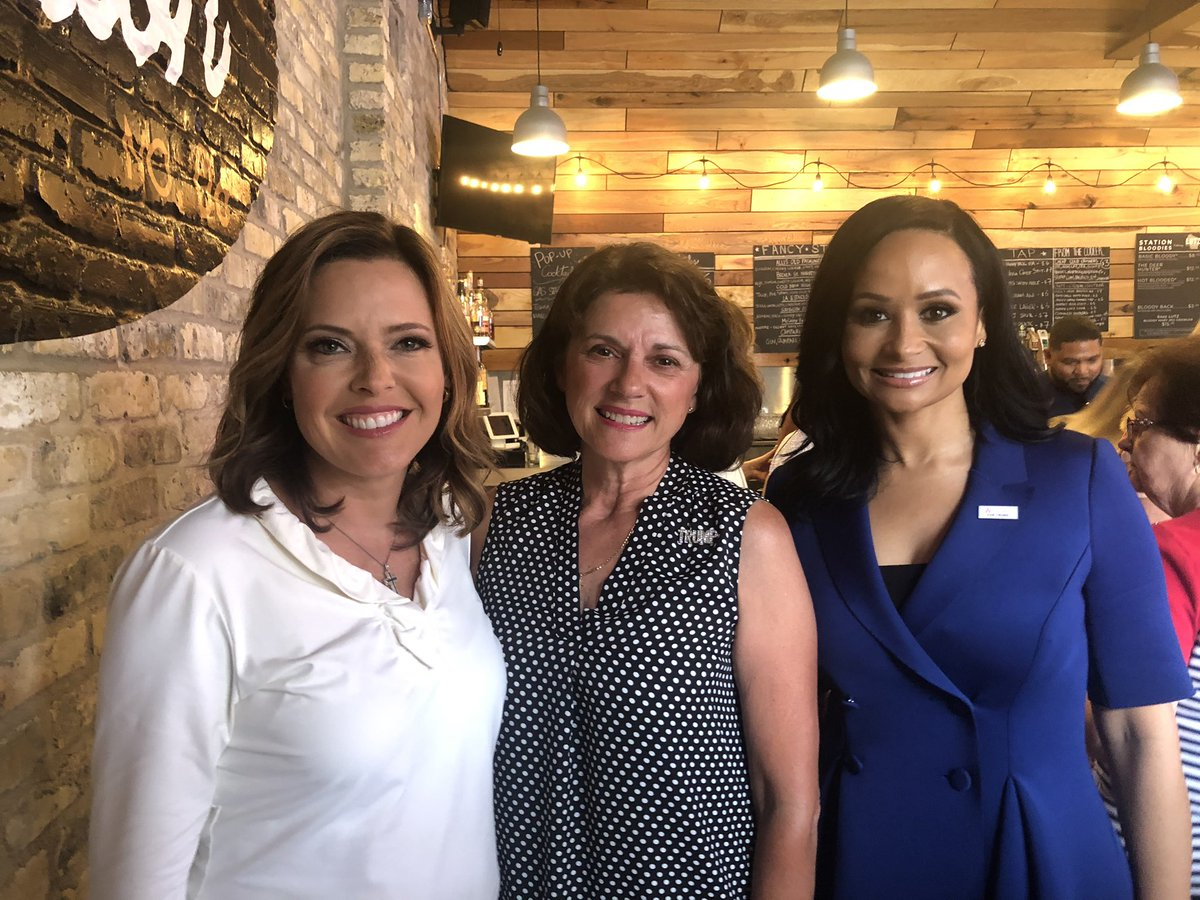Strong women for @realDonaldTrump! Great to spend time with @mercedesschlapp and @KatrinaPierson as they roll thru WI! #WomenForTrump #MAGA2020 🇺🇸