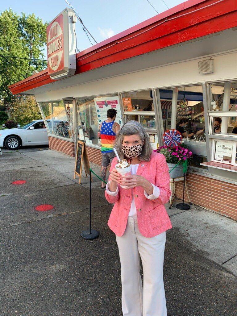 Quick stop by Snookies Malt Shop in Des Moines!