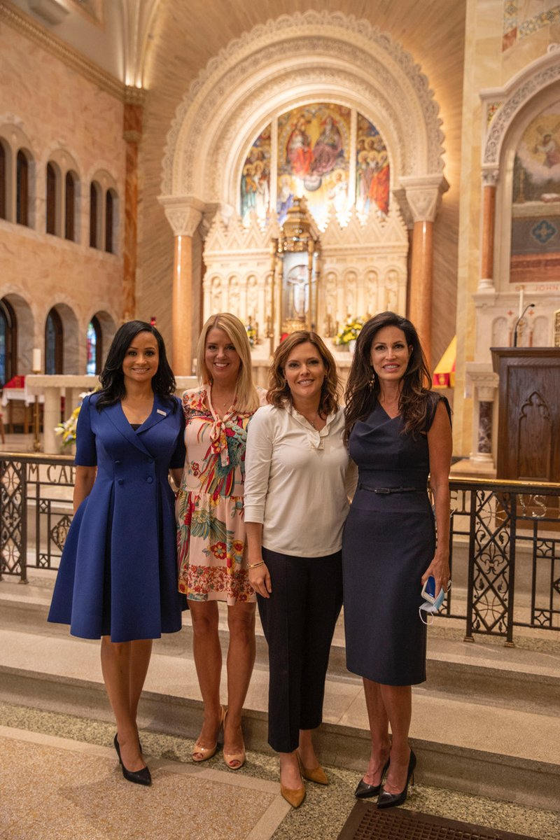 Looking forward to having @PamBondi back on the show today to talk about the @WomenforTrump tour though Wisconsin today.  She sent me some great pictures.  Some pictured along with Pam are @KatrinaPierson, @mercedesschlapp and others getting the truth out about @realDonaldTrump