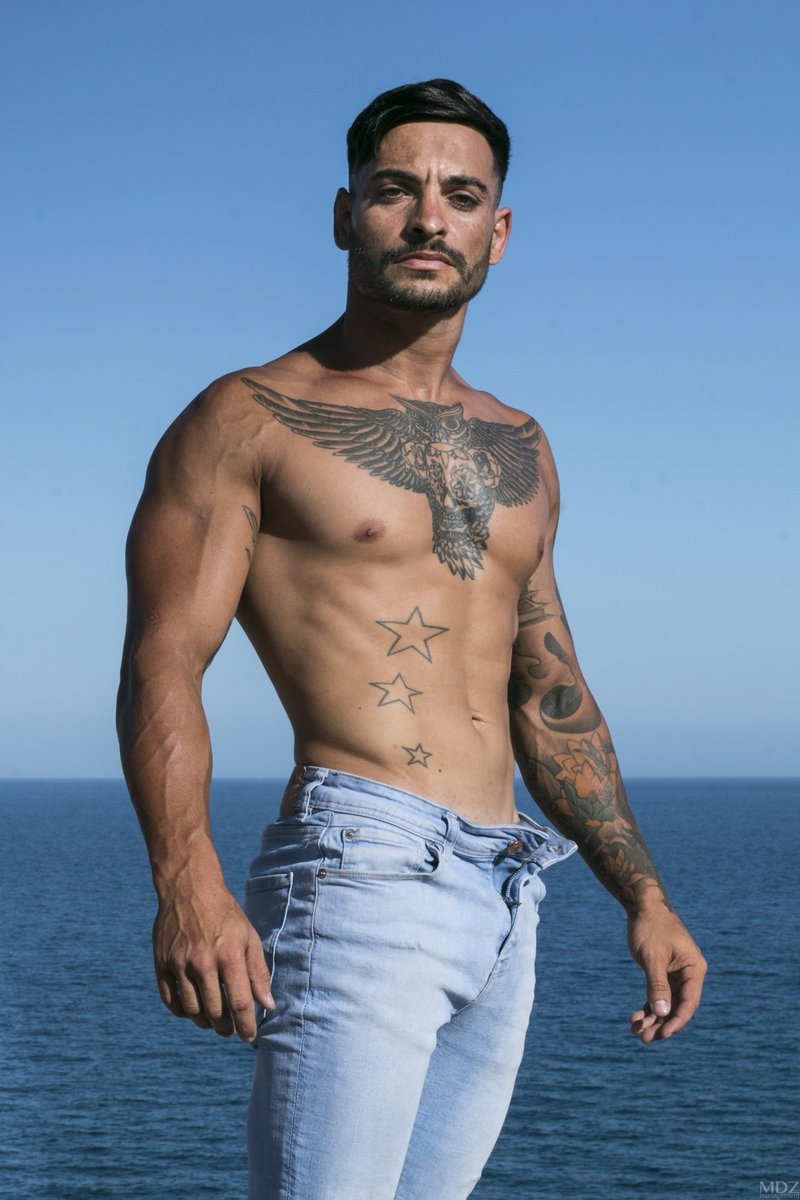 Jesús by @MDZmanagement_   #male #model #gym #tattoo #ink #fit #fitness #jeans #denim #canarias #sea #ocean