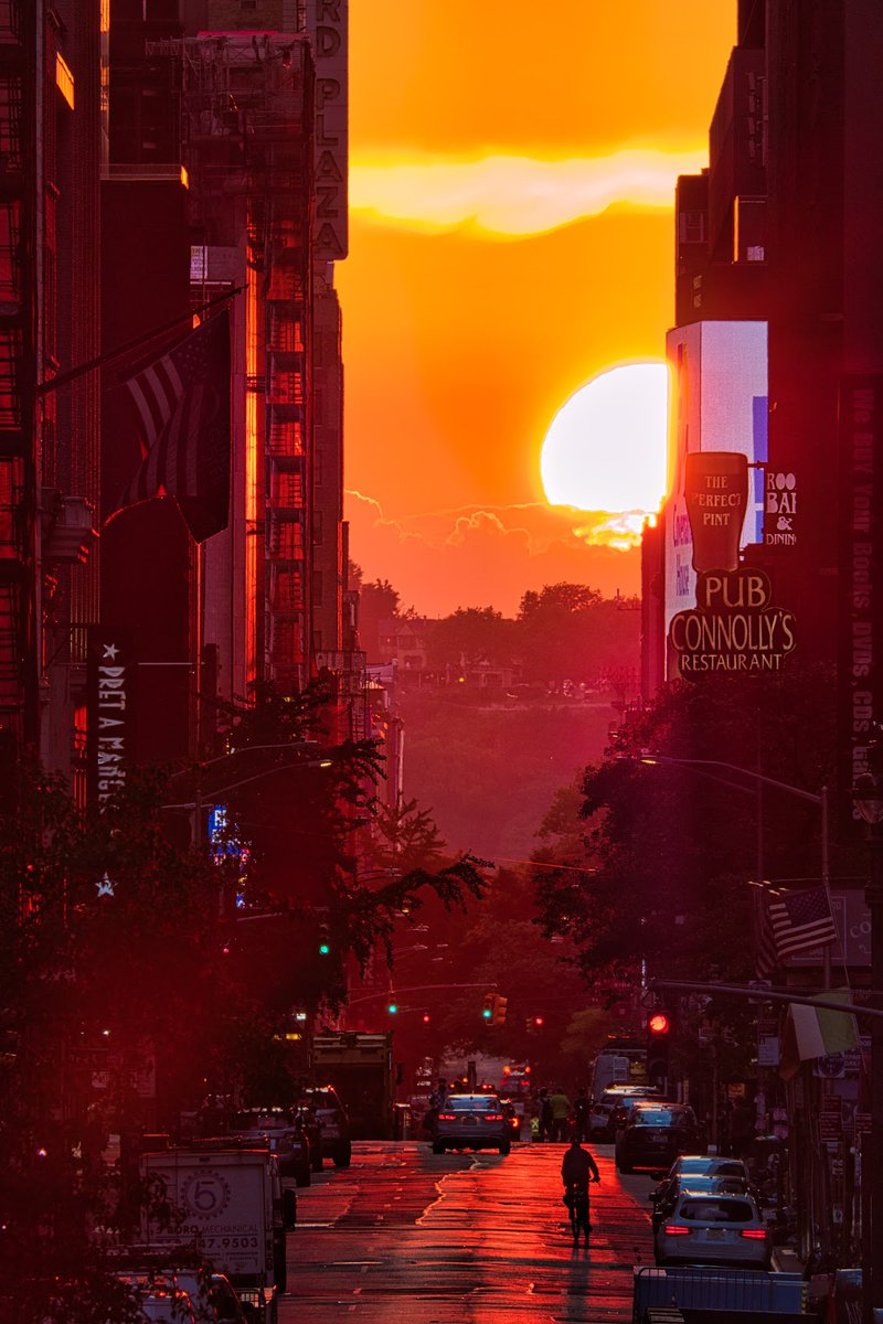 Pues creo que la de hoy ha sido la mejor puesta de sol que he fotografiado desde que llegué a Nueva York.