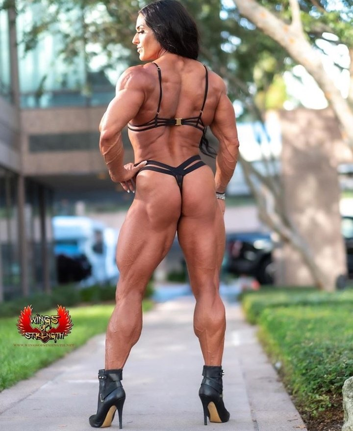 ,#Sexy #ass @BootyAndMuscles @2booty2muscle @hellohotbeef @girlbeasts #femalemuscle #fitlife #musclewomen #bodybuilding #booty @HelleTrevino