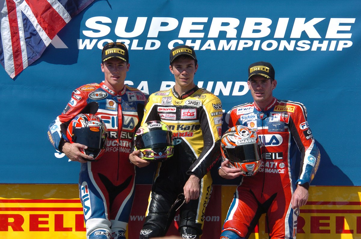 test Twitter Media - DOUBLE victory 🏆🏆  #Onthisday at Laguna Seca 2004 @chrisvermeulen7 completed a career-first double and the first for the new Honda Fireblade!   #WorldSBK https://t.co/XQ4b5X2vH2