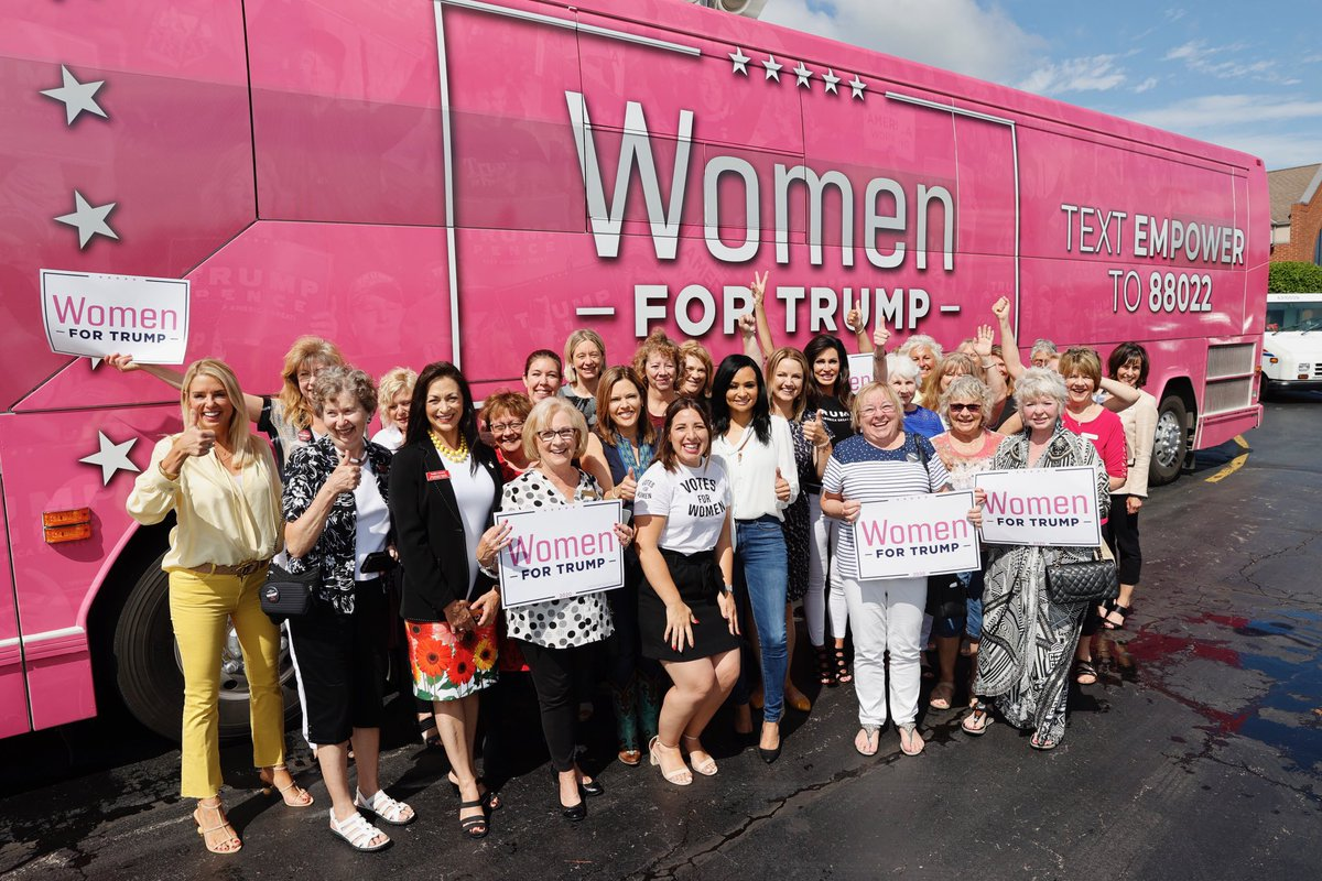 Nothing but smiles with our MAGA MAMAS in Wisconsin! 🎉#WomenForTrump #MAGA