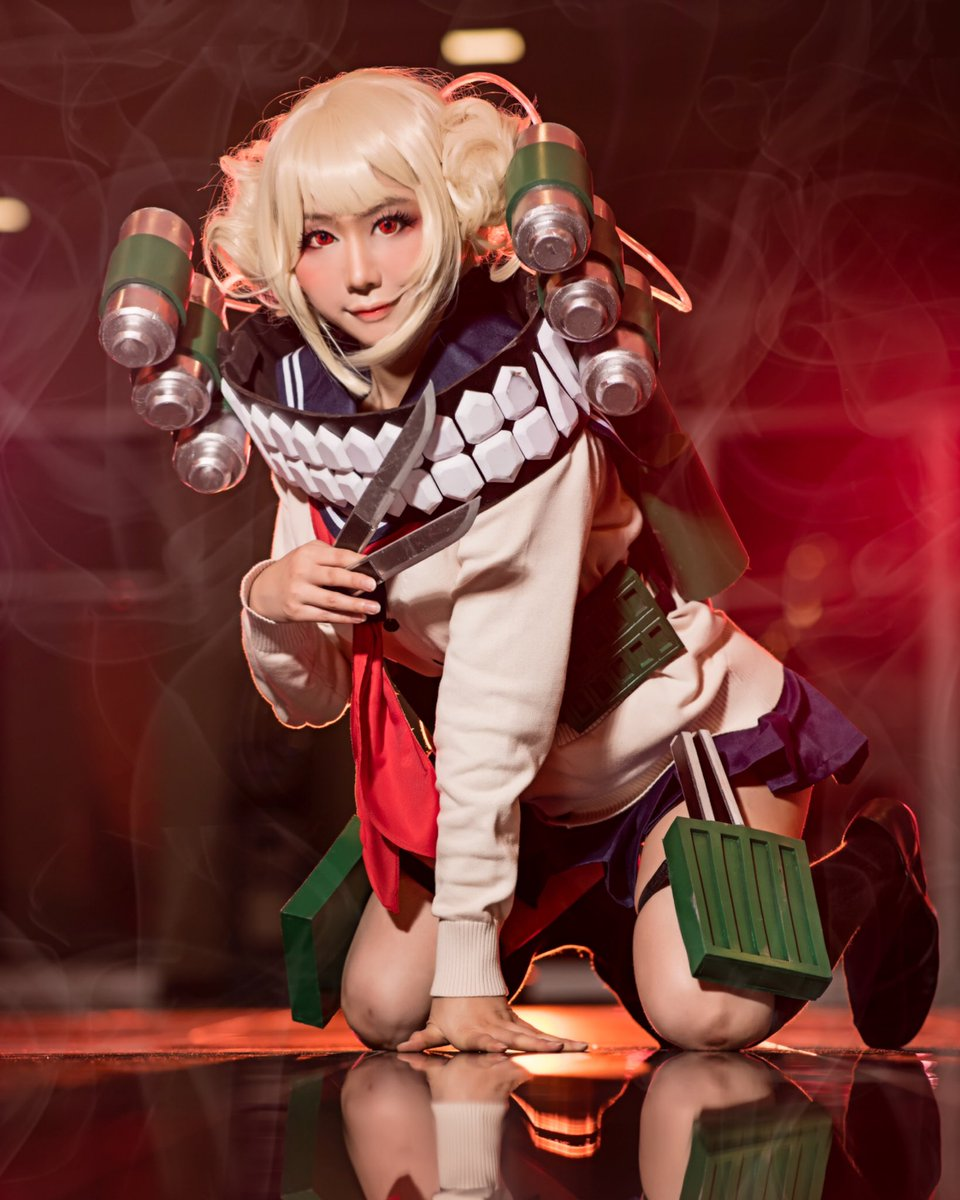 Want to play with Toga-Chan? 💕Happy Friday everyone! What you up to this weekend?   📸: @destinyscurse   #HimikoToga #bnha #mha #僕のヒーローアカデミア